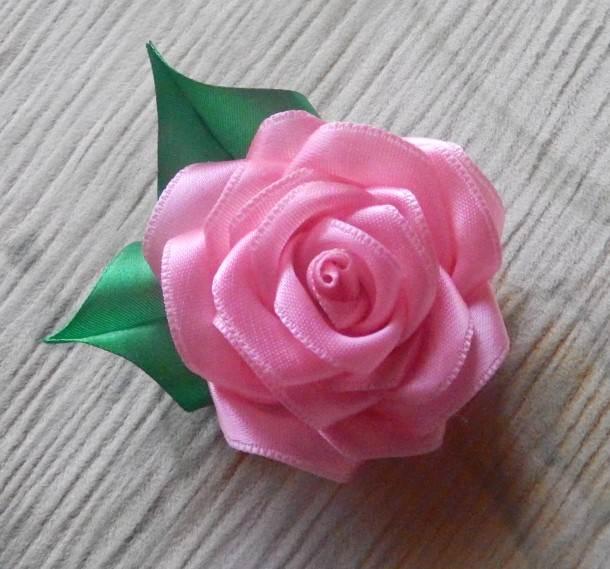 Розы из капроновых лент своими руками