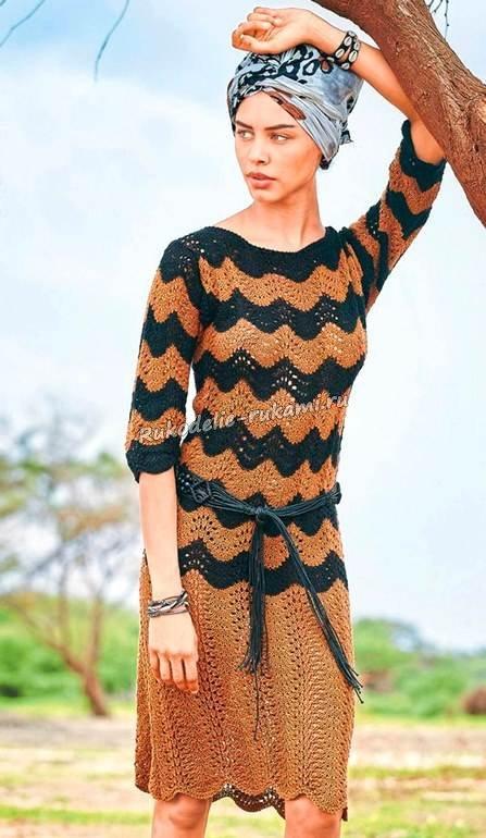 двухцветное платье вязание спицами и крючком