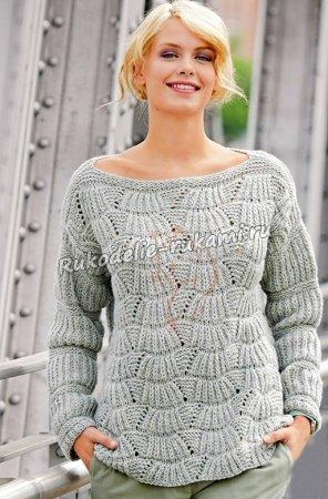 Пуловер с веерным узором спицами